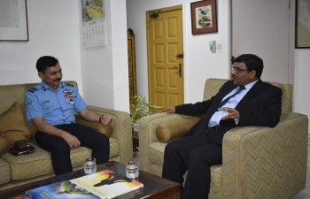 Delegation of National Defence College led by Air Vice Marshal Bakul Vaikunthrai Upadhyay along with Colonel Sachin Dubey, Defence Adviser met with H.E. Mr. Birender Singh Yadav, High Commissioner of India to Ghana on 20th May, 2019 at the High Commission of India, Accra.