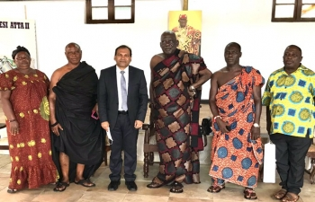 High Commissioner meets Osabarimba Nana Kwesi Atta II, Chief of Oguaa Traditional Area