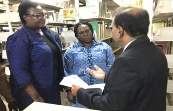 High Commissioner visited India Corner at Sam Jonah Library of University of Cape Coast