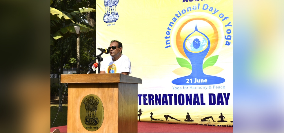 High Commissioner addresses the gathering on the occasion of celebrations of 7th International Day of Yoga